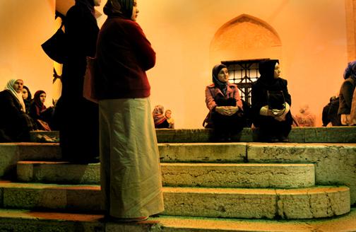 mosquewomen1.jpg